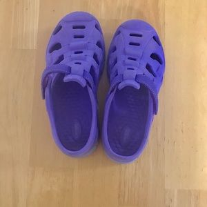 Stride Rite girls water shoes